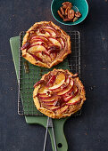 Apple gallettes with honey and pecan nuts