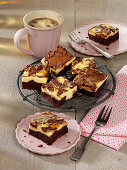 Cheesecake brownies in pieces
