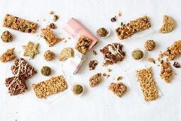 Muesli balls and granola bars
