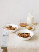 Crispy granola with honey