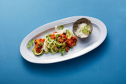 Courgette spaghetti with bolognese
