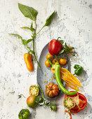 Verschiedene Paprika- und Tomatensorten