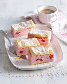 Creamy cuts with strawberries
