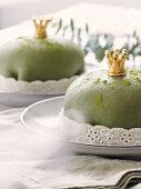 Prince tartlets with matcha tea