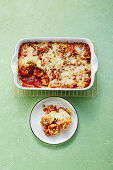 Tortelloni casserole with peas and tomatoes