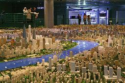 "Shanghai Urban Planning Centre,Stadtplanungsmuseum, city model, People's Square, Stadtmodell, Stadtentwicklung, aus: ""Mythos Shanghai"", Shanghai, Sachbuch, Bildband, Fotos Karl Johaentges, Text Erich Follath, Verlag, Collection Rolf Heyne, 2005"