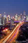 Gaojia motorway,Yan'an Zhonglu Motorway, Gaojia, elevated highway system, Hochstraße, Autobahnring, Autobahnkreuz im Zentrum von Shanghai, Hochstrasse auf Stelzen, Kreuzung von Chongqing Zhong Lu und Yan'an Dong Lu, Expressway, night skyline of central Sh