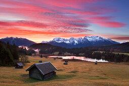 Blick über den Geroldsee zum Karwendel, Werdenfelser Land, Bayern, Deutschland