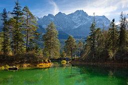 Eibsee unterhalb der Zugspitze, Werdenfelser Land, Bayern, Deutschland