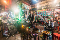 Chinatown, Nachtmarkt, Wok Kueche, Strassenrestaurant,  Bangkok, Thailand