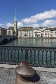 Münsterbrücke, Limmat, Poller, Fraumünster, Zürich, Schweiz