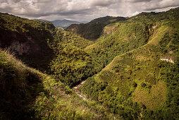 Wasserfälle in der Schlucht des Rio Magdalena, Ausgrabungsstätte La Chaquira, San Agustin, Archäologischer Park, UNESCO Weltkulturerbe, Departmento Huila, Kolumbien, Südamerika