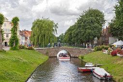 Central canal Mittelburggraben, at Malerwinkel, Friedrichstadt, Schleswig-Holstein, Germany