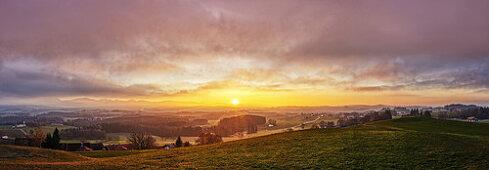 Sonnenuntergang vom Irschenberg, Panorama, Bayern, Deutschland