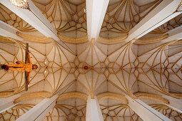 Ceiling view; Choir arch cross; Josef Henselmann; 1954; Modern; Munich Cathedral; Munich Cathedral; Woman Church; Cathedral to Our Lady; Cathedral of the Archdiocese of Munich and Freising