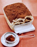 Tiramisù (layered dessert with mascarpone and coffee)