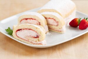 Swiss roll with strawberry cream