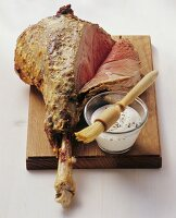 Leg of lamb with yoghurt sauce