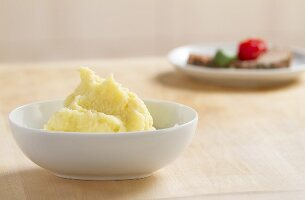 A bowl of mashed potato