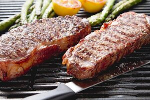 New York Strip Steaks vom Grill