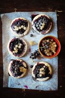 Black and white currants cookies (From above)