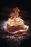 A gingerbread cupcake with cinnamon & cream cheese frosting