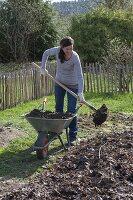 Huegelbeet anlegen und bepflanzen
