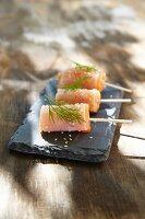 Radish and salmon rolls with sesame