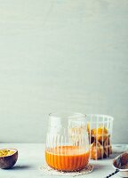 Passionsfrucht-Physalis-Drink