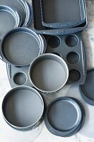 Baking tins for cakes and muffins