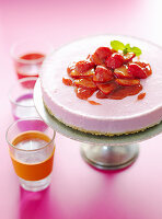 Strawberry cheesecake with biscuit bottom
