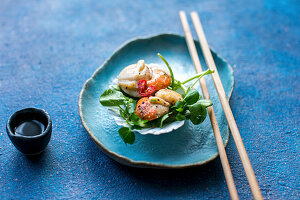 Scallops with chili, garlic, ginger, watercress and soy sauce (Asia)