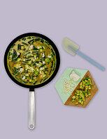 Omelett mit grünen Bohnen, Avocado und Feta