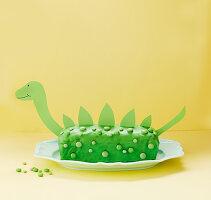 Dinosaurierkuchen (Haselnusskuchen mit grüner Glasur)