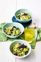 Waldorfsalat mit Heidelbeeren und Estragondressing