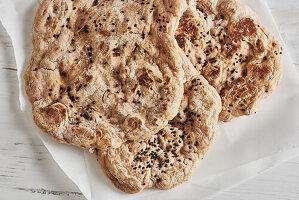 Naan-Brot mit Schwarzkümmel