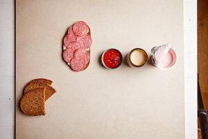 Zuckerfallen - Salamibrot, Ketchup, Babygläschen, Erdbeerjoghurt