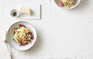 Tagliatelle mit Artischockensauce und Parmesan