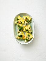 Brokkoli-Omelett mit Peperoni und Feta