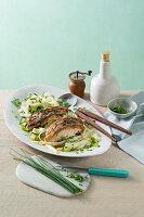 Fisch auf Schnittlauch-Spargel-Salat mit Kerbel