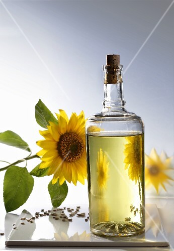 Sunflower oil, sunflowers and seeds