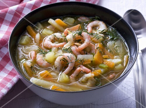 Prawn soup with vegetables and dill