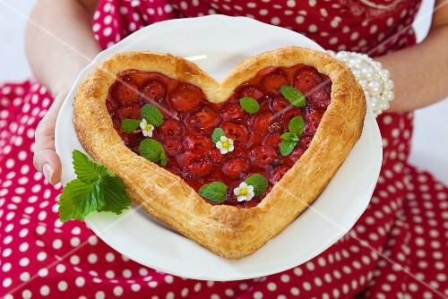 Heart-shaped strawberry puff pastry tart