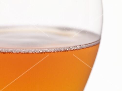A glass of cider (close-up)