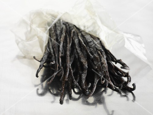A bunch of vanilla pods