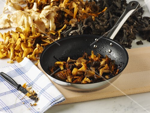 Wild mushrooms, fresh and fried