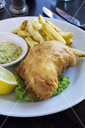 Fish and chips with mushy peas and tartar sauce