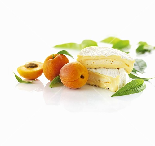 Brie and apricots