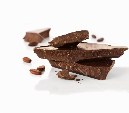 Chocolate chunks and cocoa beans