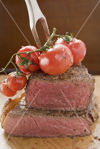 Beef steak with cherry tomatoes